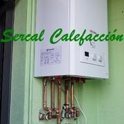 Instalación de caldera de condensación a gas natural en vivienda.