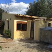 Convertir en vivienda y garaje en Casa de campo