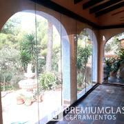 Cerramiento de vidrio en un porche en Callosa de Segura