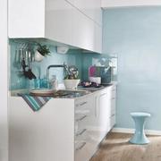 Exprimiendo cada rinc n ideas arquitectos - Cocina blanca y azul ...