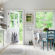 cocina cottage silla azul