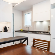 Cocina moderna de color blanco