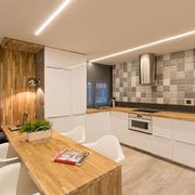 Una vivienda con hormigón en tonos cálidos