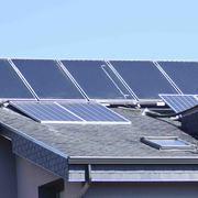 Colocación de placas solares para autoconsumo