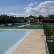 Complejo de piscina reformado