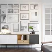 composición de cuadros en el salón