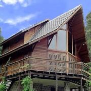 Construcción de casa de 175m en madera tropical