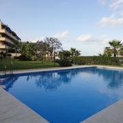 Construcción jardín y piscina