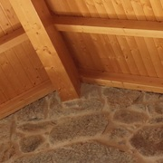 Rehabilitación de cubierta  panel sándwich de madera y teja