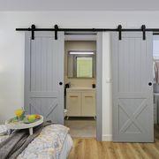 Dormitorio en suite con puertas correderas
