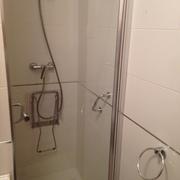 Baño semiadaptado, Santander