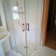 Renovación de duchas Hostal Ezkurra, Navarra
