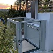Instalación de elevador salvaescaleras vertical en Ibiza