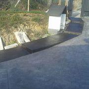 Distribuidores Weber - Hormigón impreso con escalera cepillada (Miraballes, Bizkaia)