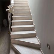Distribuidores Finfloor - Forrado de escaleras en tarima laminada roble irlandés finfloor