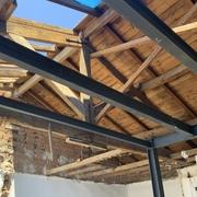 Estructura metálica y madera