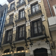 Rehabilitación de edificio en Regueros