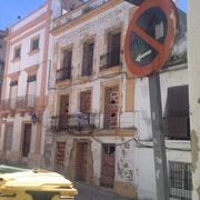 Rehabilitación y diseño de fachada de apartahotel en jerez calle carpintería