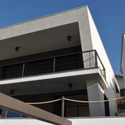 Reforma integral de una casa unifamiliar con piscina