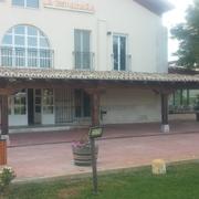 Estructura de madera en el restaurante la espadaña (bodegas arzuaga/emina)