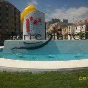 Fuente decorativa en rotonda en Torreblanca
