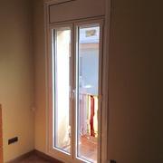 Instalación de ventanas RPT en casa en el centro de Sabadell