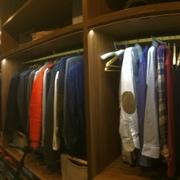 Hacemos vestidores y armarios a medida