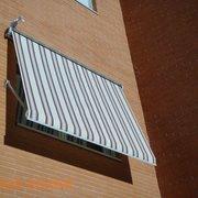 Instalación de 4 Toldos Portada cofres en Valdemoro