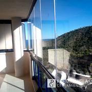 Instalación de cortinas de cristal en Finestrat