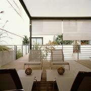 Intimidad: terraza superior _ toldos horizontales y verticales regulables