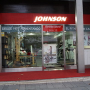 JOHNSON SERRANO 100 FITNESS STORE - ILUMELEC ILUMINACION Y ELECTRICIDAD PROFESIONAL