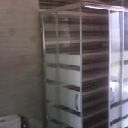 Baño gris , lavabo doble