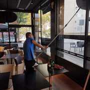 Limpieza de Cristales en general (Restaurantes, fachada de edificios o naves y en altura)