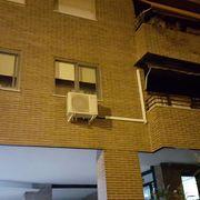 Instalación de equipos sobre fachada