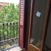Retirar ventanas de aluminio e instalarlas nuevas de madera