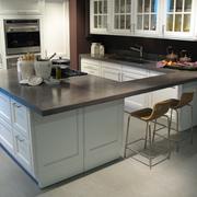 Revestimiento y Muebles de Cocina en microcemento