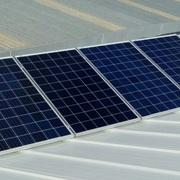Instalacion fotovoltaica aislada de 1,6 kW con baterias