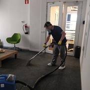 Limpieza de moquetas de oficina