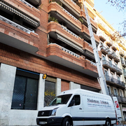 Mudanza con elevador Passeig Sant Joan con Travessera de Gràcia, Barcelona