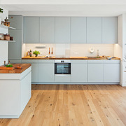 muebles de color en cocina