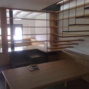 Gran salón con escaleras