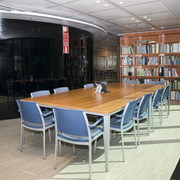 Limpieza y conservación de instalaciones en centro de negocios.