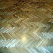 Parquet de tablillas macizas colocado a espiga.