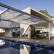 pérgolas bioclimáticas en piscina