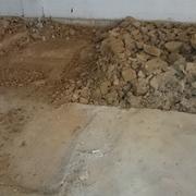 Picado de Hormigón y tierras duras, para realizar cimentación.