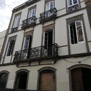 Pintura exterior fachada edificio calle Triana y Plaza Lagunetas