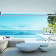 Piscina con grandes vistas al mar