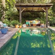 piscina con porche
