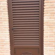 puerta lama