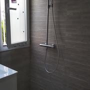 Reforma integral baño con cambio de bañera por plato de ducha a ras del suelo
